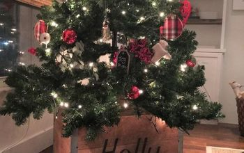 Rustic Wood Christmas Tree Skirt--Look What I Copied From a Magazine!