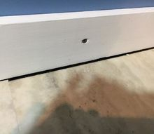 q covering gaps between floor and wall