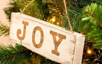 DIY MINI WOOD SIGN CHRISTMAS ORNAMENTS