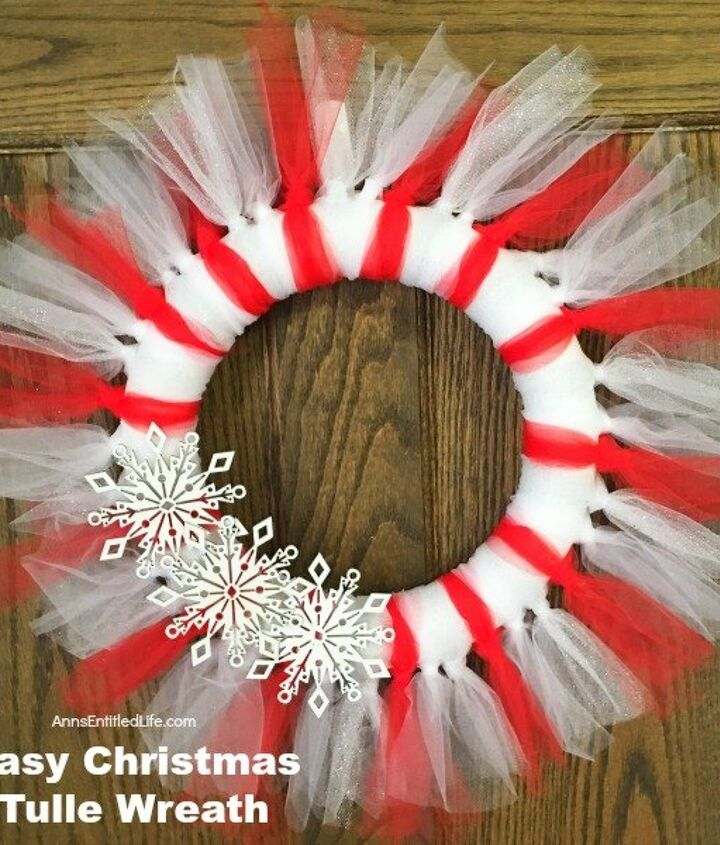 s 25 christmas wreath ideas you don t want to miss this year, Candy Cane Colored Tulle Wreath