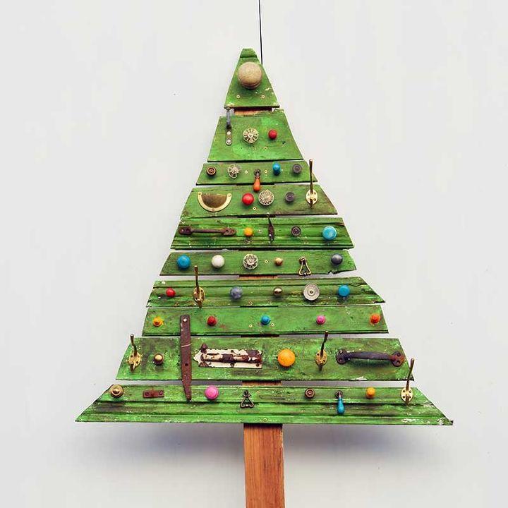 amazing scrap wood christmas tree