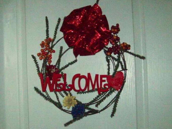 recycle and re use and make new wreath