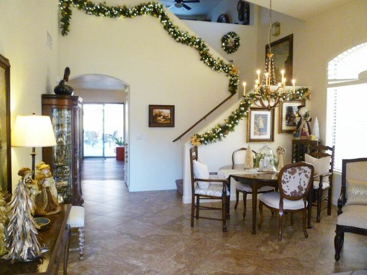 s 12 christmas home tours you re so going to fall for, Elegantly Gold Silver White