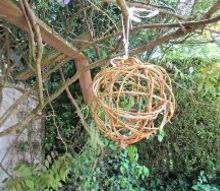 weaving a simple willow ball