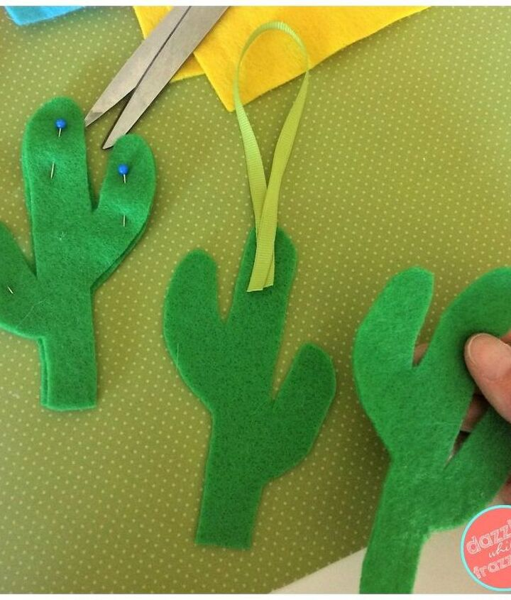 Cut two cacti from felt fabric.