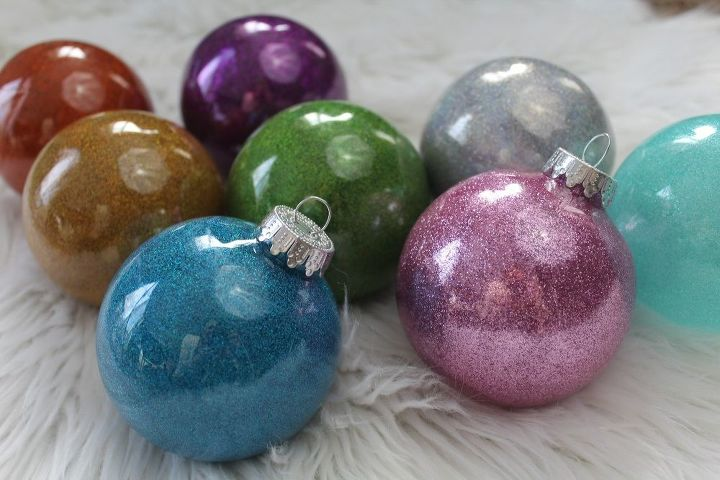 s how a little bit of glitter can go a long way, Glitter Ornaments With Pledge Floor