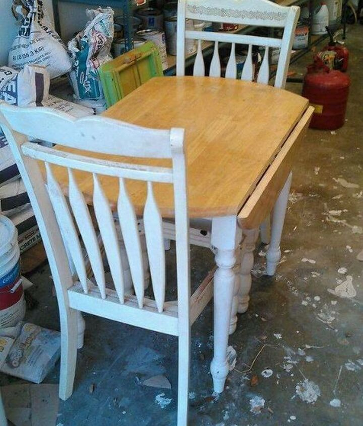 cozy country corner table