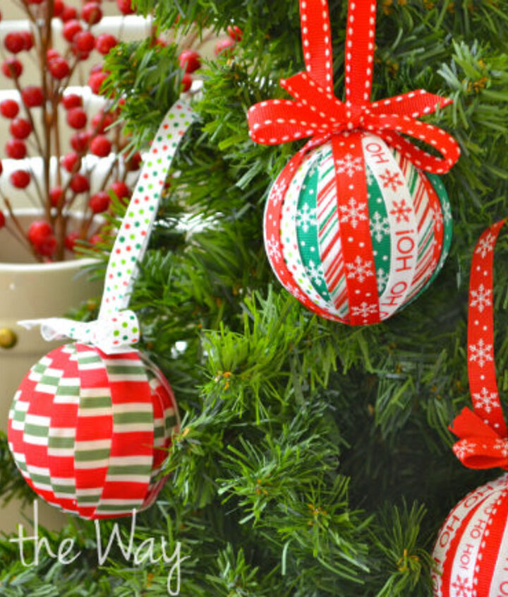 s use ribbon to decorate for christmas with these last minute ideas, Ribbon Ornament Craft