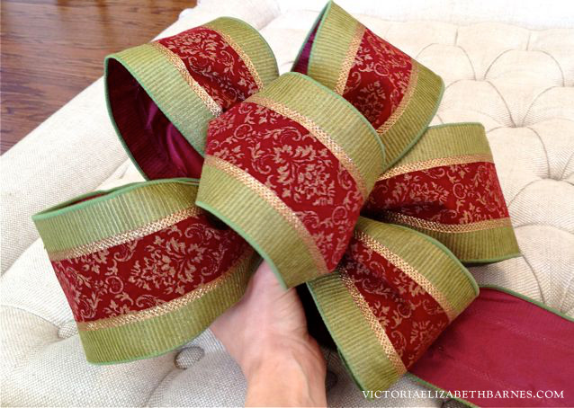 s use ribbon to decorate for christmas with these last minute ideas, Elegant Bow From Ribbon