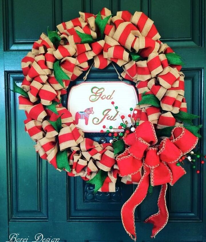 s use ribbon to decorate for christmas with these last minute ideas, Custom Christmas Ribbon Wreath