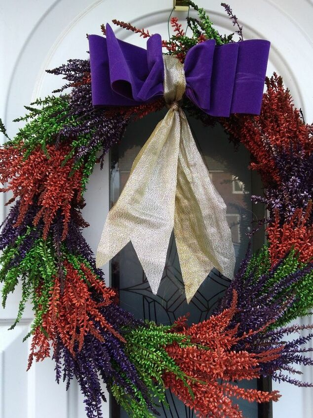 e want to make a bright untraditional wreath