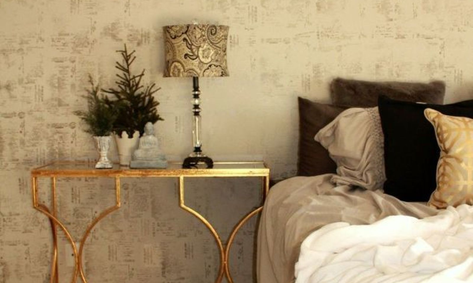 11 Elegant Accent Walls That Will Make You Proud To Look At | Hometalk