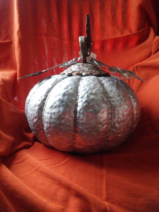 q does anyone know where i can order these metal galvanized pumpkins