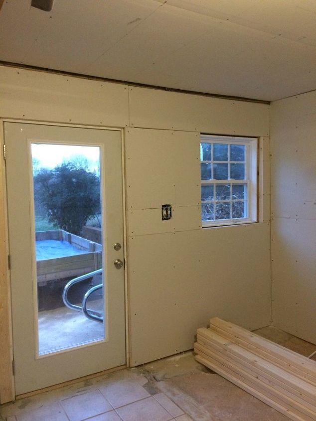 Diy basement mudroom area hometalk for Cost to build a mudroom