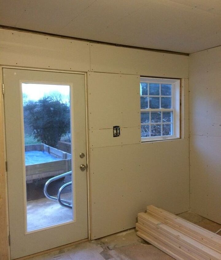 diy basement mudroom area