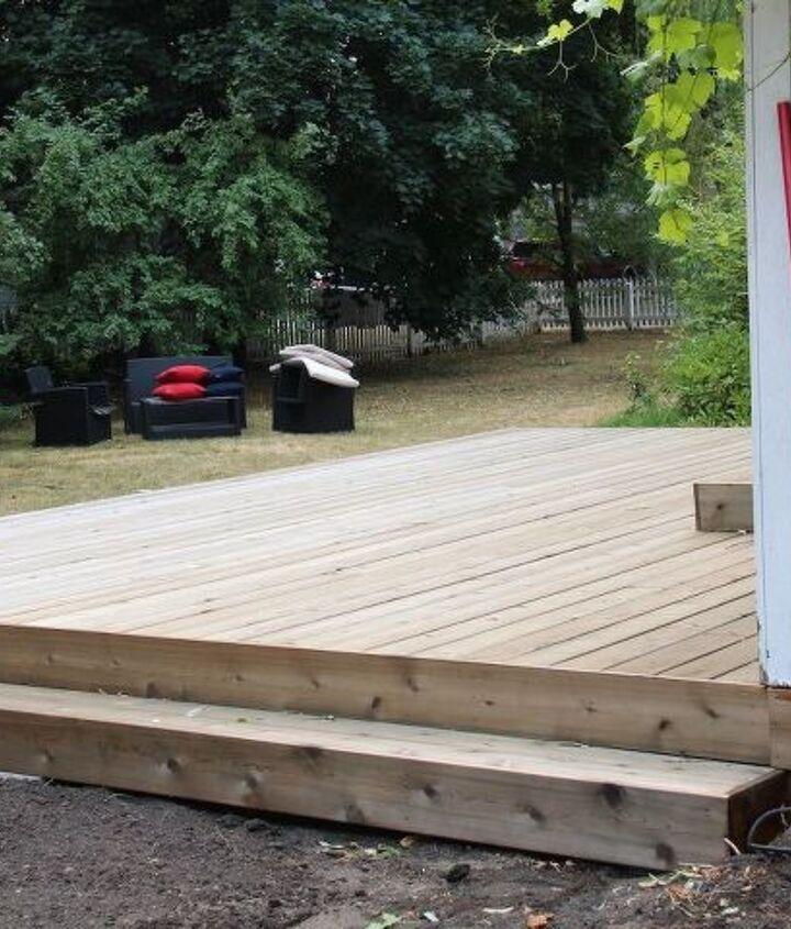cedar deck remodel with new planter box benches