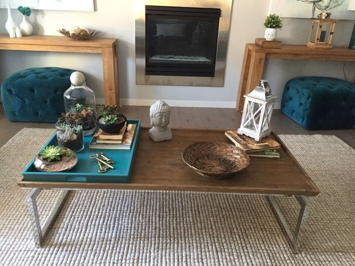 q help for arrangement on coffee table