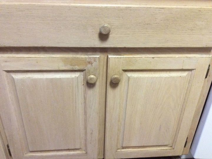 How Do I Re Pickle Oak Kitchen Cabinets Is There An Easy