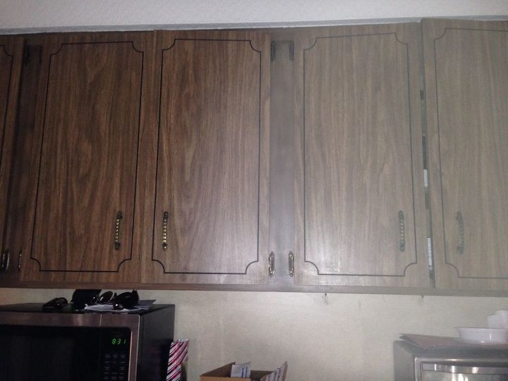 q how do i prep what kind of paint do you use on old formica cabinets
