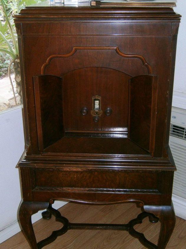 q old radio record player