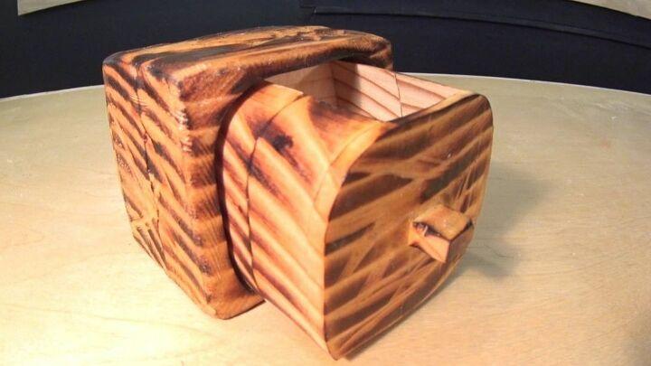 primitive little keepsake box, finished box