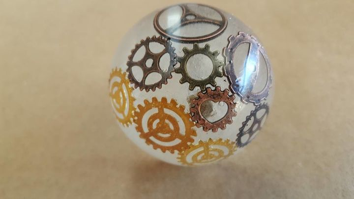 s 27 gorgeous update ideas for your bedroom, Make your own unique door knobs