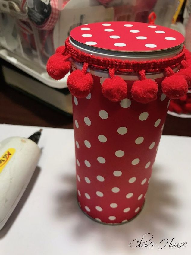 make a valentine using a recycled pirouline tin