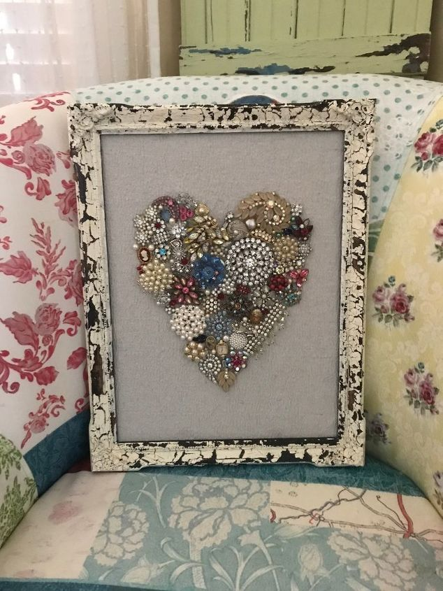 s valentine s day is getting closer get ready with these lovely ideas, Pretty Framed Heart