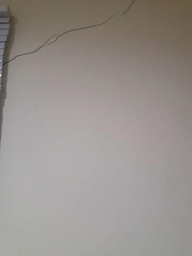 q how to fix little crack on the wall