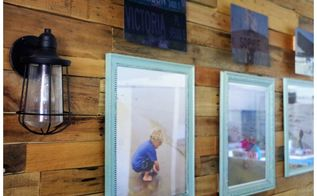 how to create a pallet wall photo display