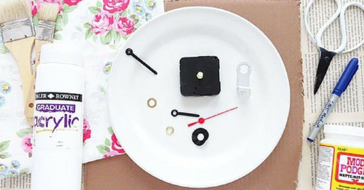 20 Ways To Make Your Own Personalized Clock | Hometalk