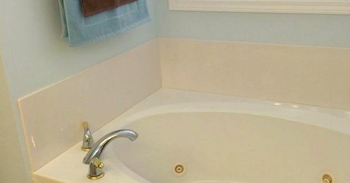 DIY Bathtub Makeover! | Hometalk