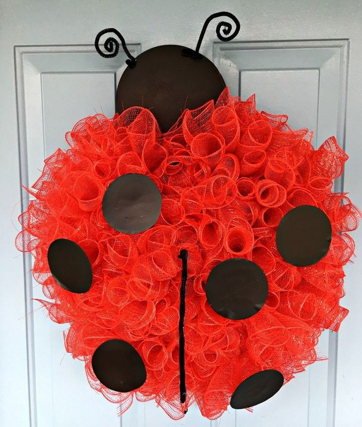 Make A Deco Mesh Ladybug For Your Front Door Hometalk