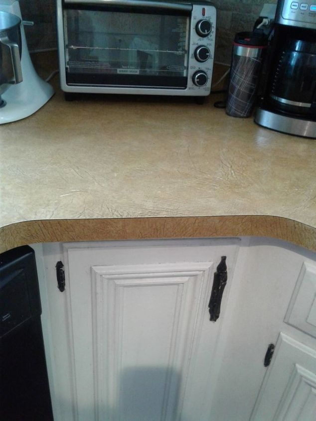 q how to paint a faux leather countertop