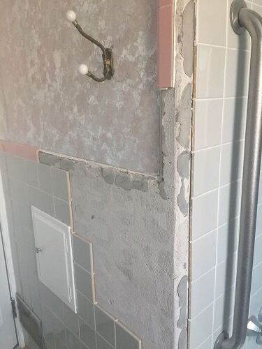 Can you replace missing bathroom wall tile and can the color be change |  Hometalk