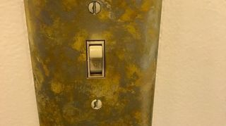 I need to change tthe color of my electrical outlet plates