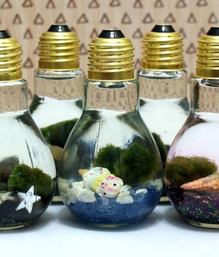 s 18 clever ways to repurpose old light bulbs, Marimo Moss Ball Aquariums