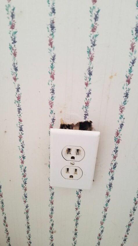 q how do repair electric socket