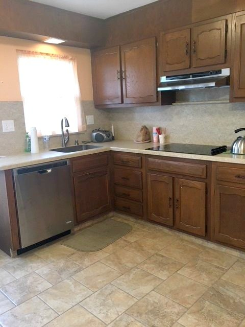 Painting 1970's Kitchen Cabinets | Hometalk