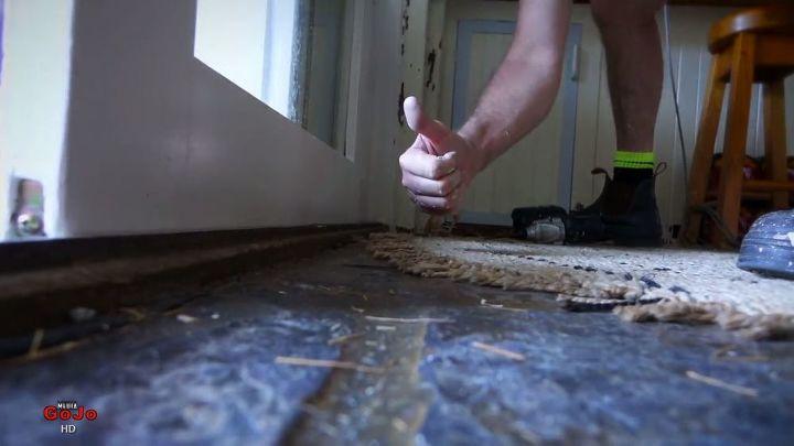 replacing sliding door rollers