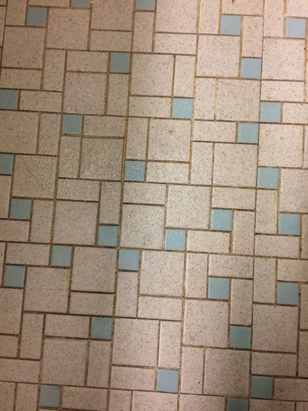 q how to clean tile grout
