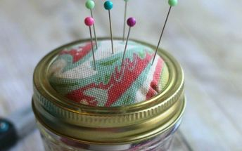 homemade mason jar pin cushion and sewing kit