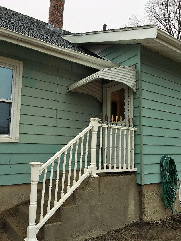 q keeping squirrels off a porch railing