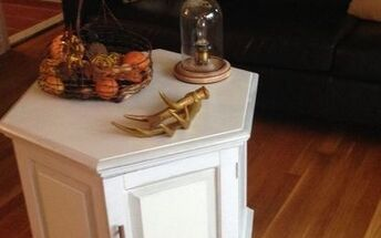 thrift store coffee table makeover