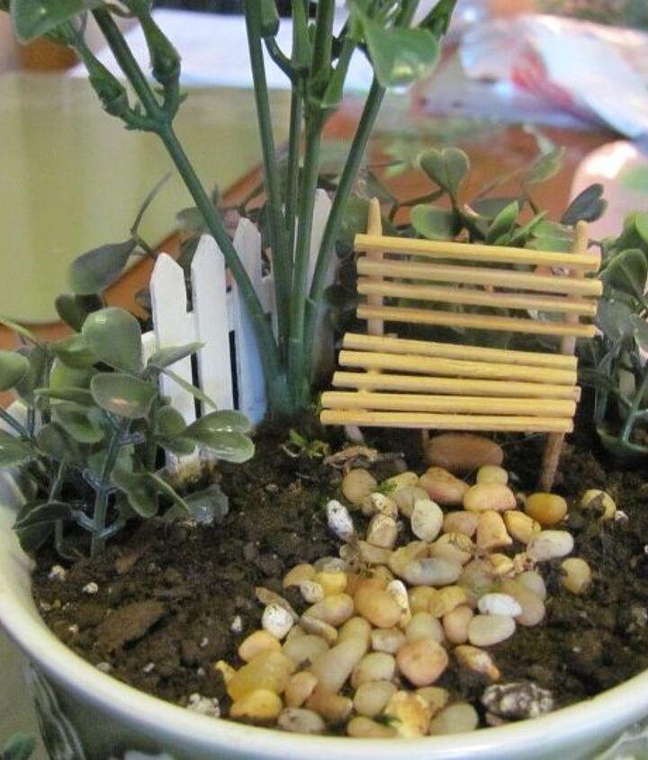 re do a mini garden using fake plants