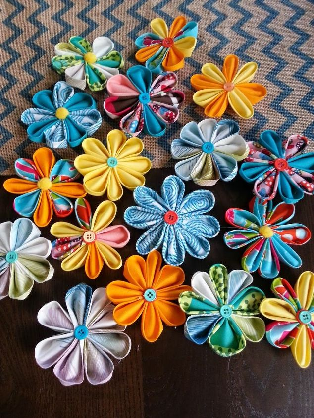 s don t throw away your fabric scraps before you see these 13 ideas, Transform them into colorful flowers