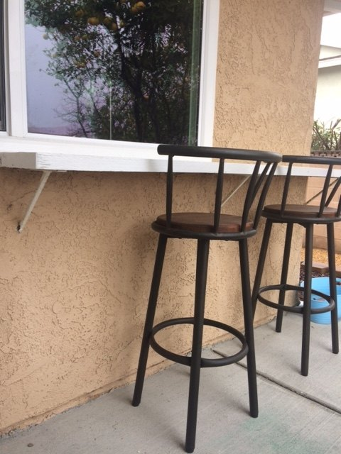 q help with my outdoor counter please