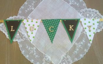 "St. Patrick's Day ""Lucky"" Mini Banner"