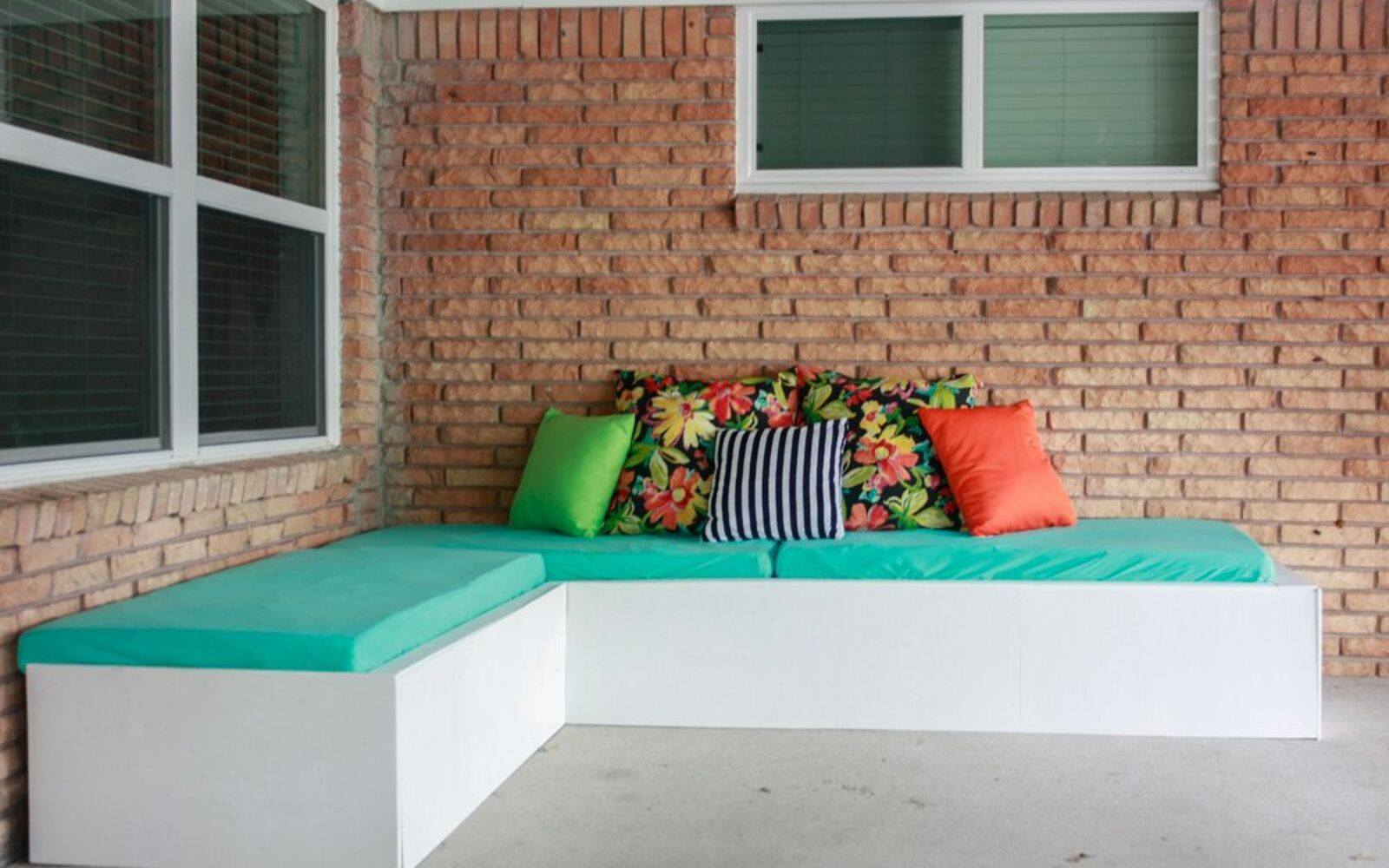 s upgrade your backyard with these 30 clever ideas, Set up a corner couch using pallets