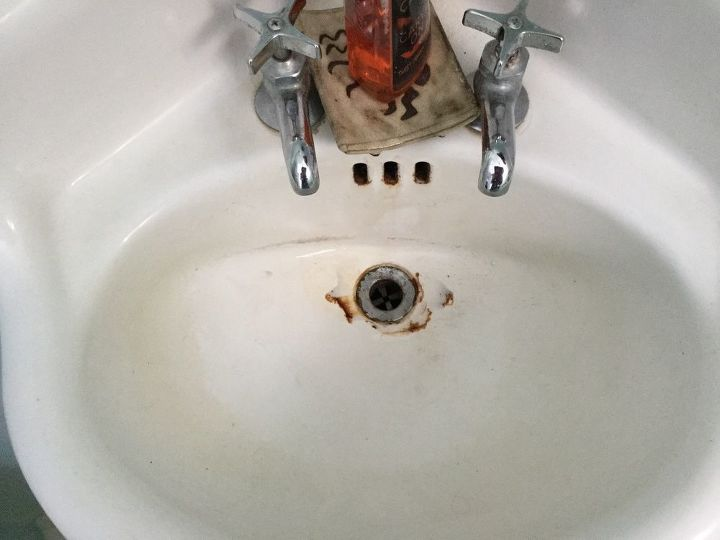 q can a 1940 corner porcelain over cast iron rusted sink be repaired